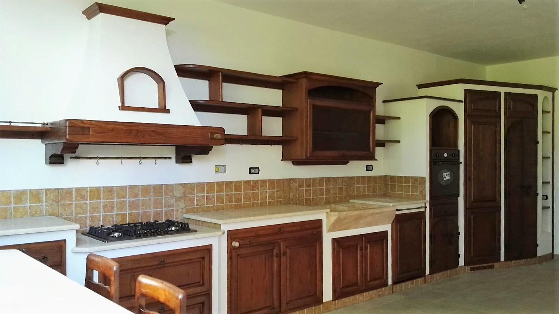 Cucine Rustiche vista laterale